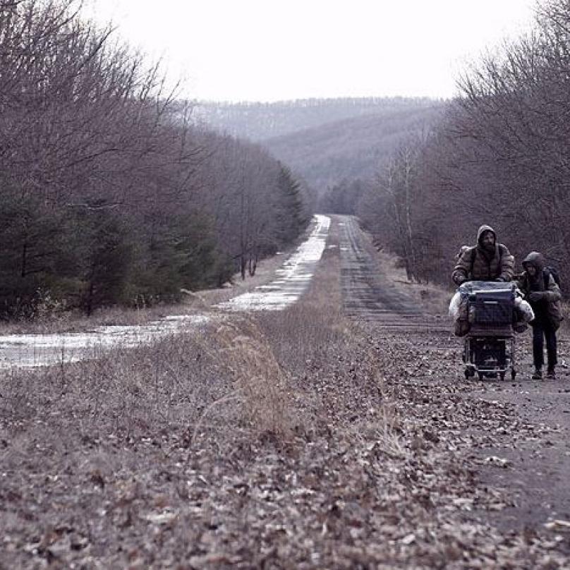 Záběr z filmu Cesta.