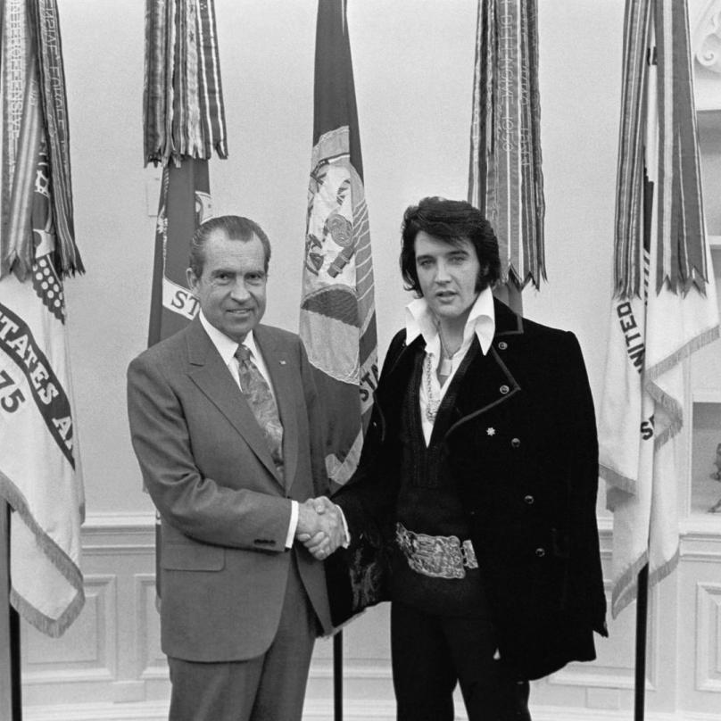 Elvis se nakonec prosadil a stal hodně slavným.