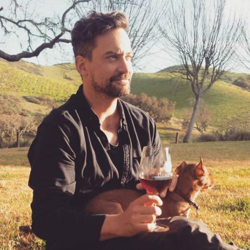 Jon Hopkins coby producent mimo jiné zachránil čtvrté studiové album kapely Coldplay od absolutní neposlouchatelnosti.