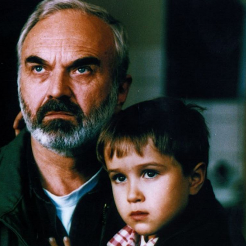 Kolja je klasika a absolutní srdcovka. Snímek zcela oprávněně získal sošku na nejlepší zahraniční film roku 1996.