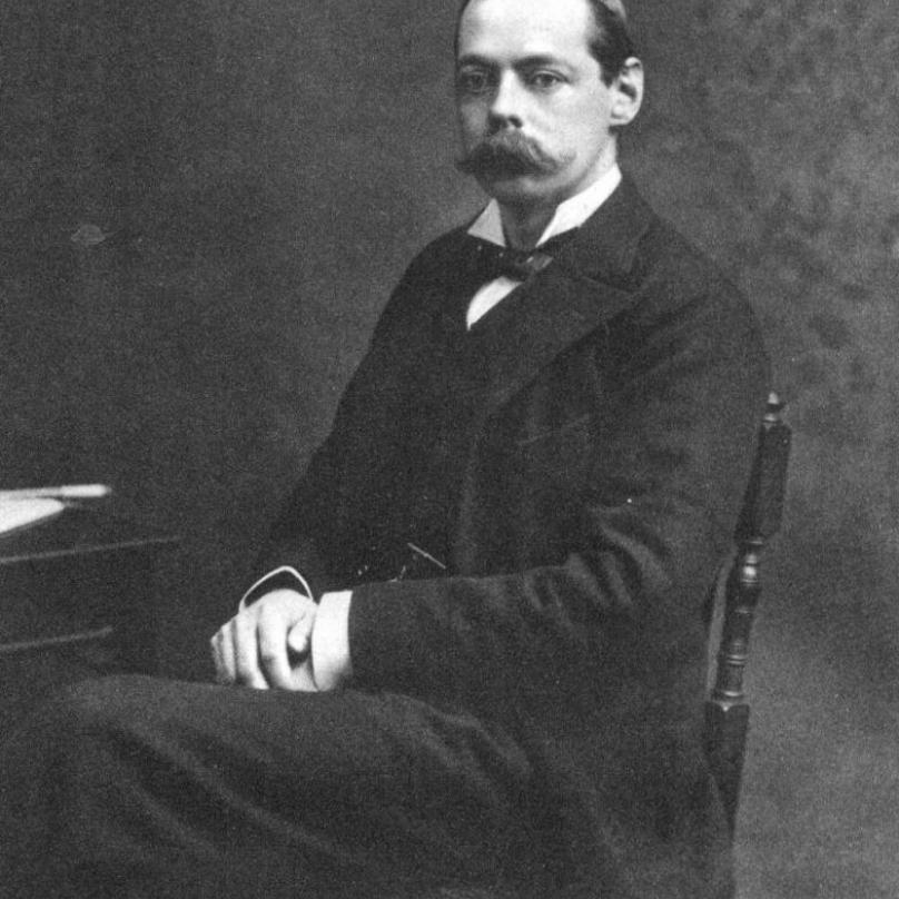 Tým, který měl problém řešit, údajně vedl lord Randolph Churchill, otec Winstona.