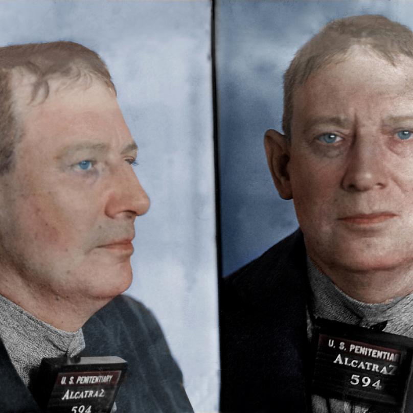 Robertu Stroudovi, nadprůměrně inteligentnímu psychopatovi, se přezdívalo Ptáčník. Byl totiž nadšeným ornitologem.
