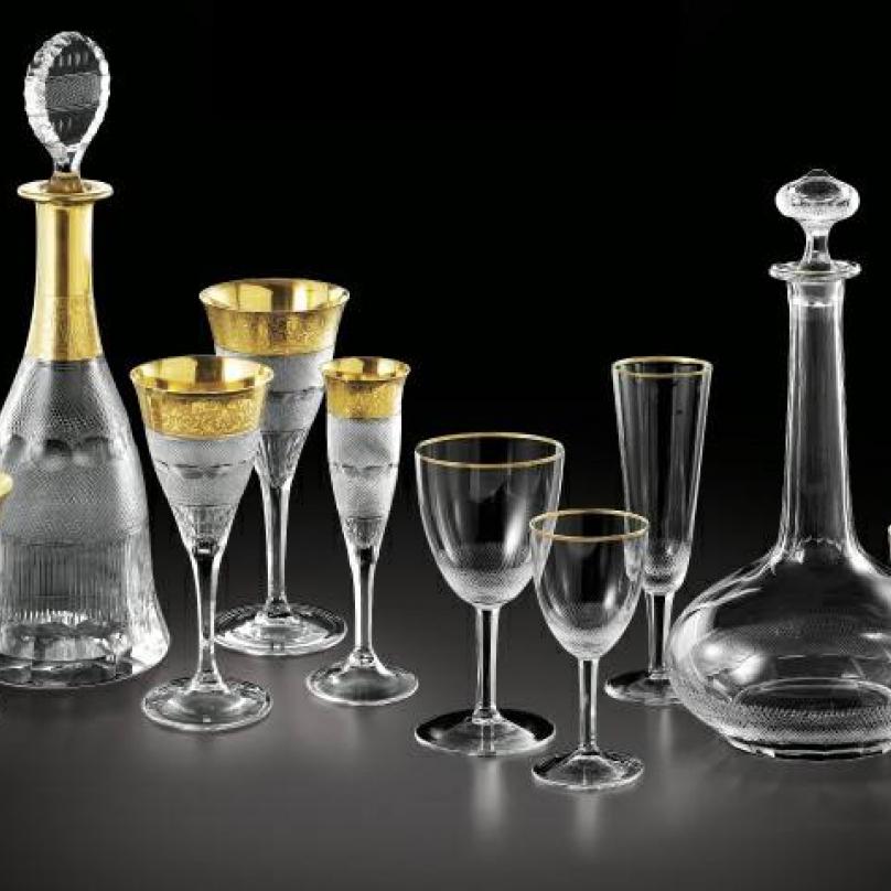 České sklo je vyhledávané po celém světě. Ne nadarmo se říká, že jsme národ sklářů. Na snímku výrobky sklárny Moser, která byla založena už v roce 1857. Sídlo společnosti se nachází v Karlových Varech.