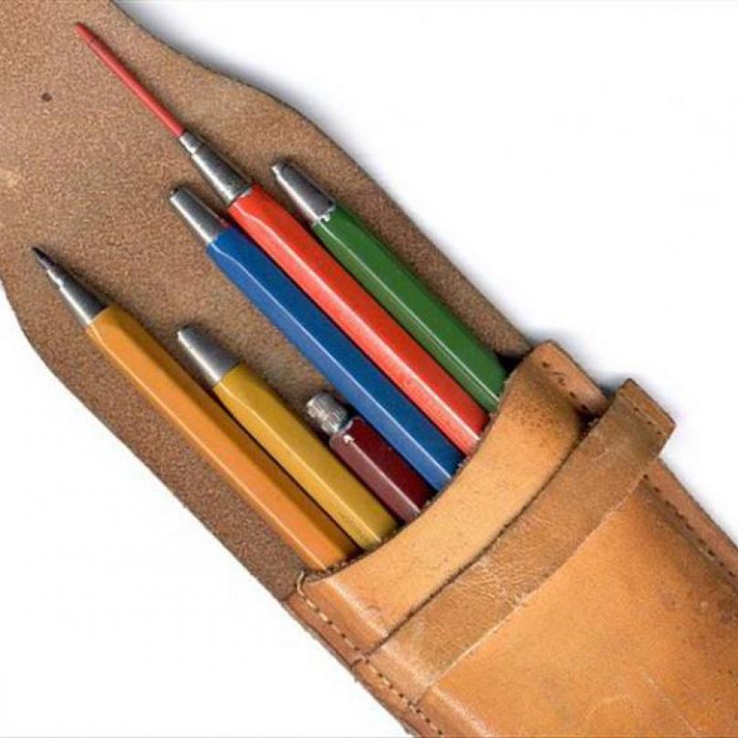 Verzatilka neboli mechanická padací tužka vznikla v roce 1950 v továrně Koh-i-noor.