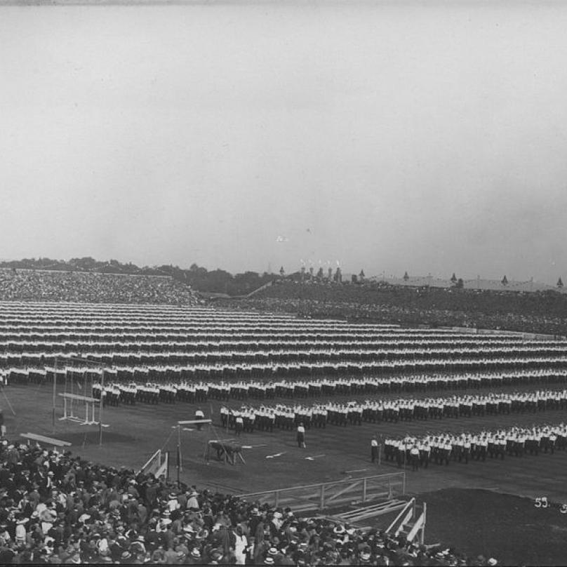 Sokolové na VII. všesokolském sletu v roce 1920