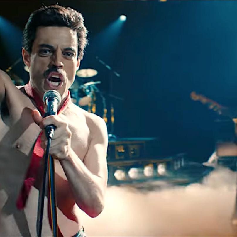 Rami Malek jako Freddie Mercury zaujal natolik, že vyhrál v kategorii Nejlepší herec v hlavní roli.