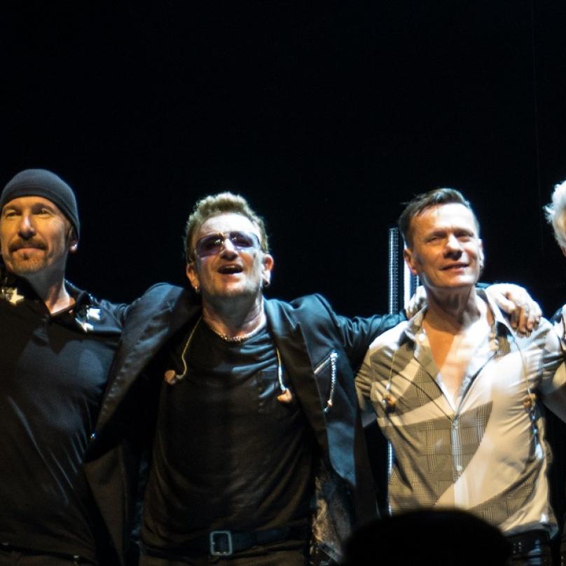 Dnes jsou U2 jednou z nejslavnějších rockových kapel všech dob. Na vrchol ale vedla dlouhá cesta.