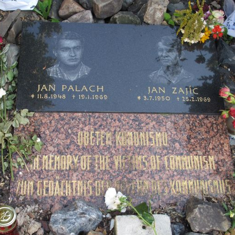 Palachův čin následovali další lidé protestující proti režimu. Nejznámějším se stal Jan Zajíc.