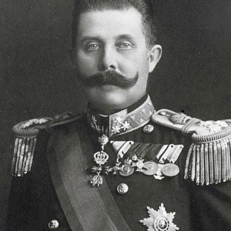 Arcivévoda a dědic rakouského trůnu František Ferdinand d´Este se stal bosenskosrbským aktivistům trnem v oku, protože jim stál v cestě v jejich boji za nezávislost.