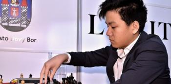 Thai Dai Van Nguyen je nejmladším českým šachovým velmistrem, díky jeho etnickému pvůdou má navíc takový úspěch v současné společenské náladě zásadní přesah.