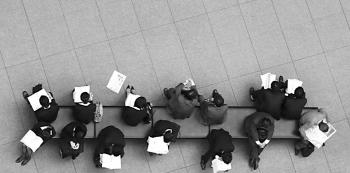 Prostřednictvím úřadu práce hledalo uplatnění 86,2 procent nezaměstnaných.
