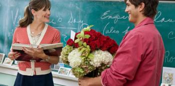 Valentýn je marketingová záležitost, která ženy učí, že se mají jeden den v roce obléct do nevkusného prádla výměnou za kytku a bonboniéru.