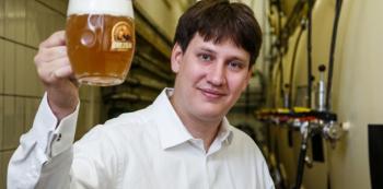 To je on – mladý, leč zkušený vrchní sládek Michal Rouč