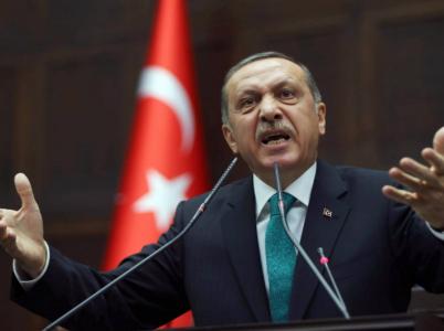Erdogan si upevnil moc a brzy zamíří do Bílého domu upevňovat vztahy s USA.