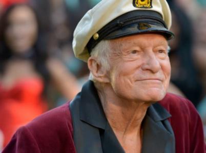 Hugh Hefner, postarší bonviván v županu a námořnické čapce, skonal v 91 letech.