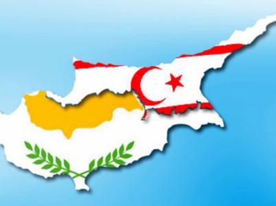 Kypr je třetím největším ostrovem ve Středozemním moři. Je ale rozdělen na řecký jih, který je součástí EU, a turecký sever, který jako republiku uznává jen Turecko.