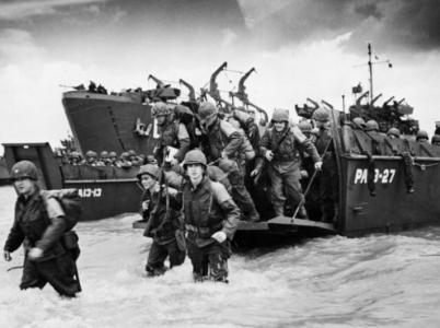 Vylodění v Normandii bylo klíčovou operací druhé světové války. K úspěchu mu pomohl obří podvod, který sloužil jako zastírací manévr.