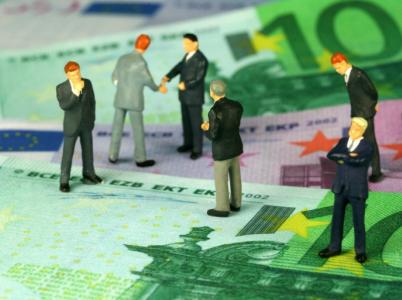 Papírové peníze jsou jistota. Ale jak ještě dlouho tomu tak bude?
