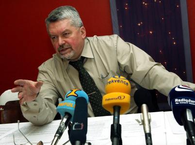 Advokát Zdeněk Altner zastupoval ČSSD ve sporu o Lidový dům. Strana mu ale zapomněla za právní služby zaplatit, což přerostlo ve stamilionový dluh.