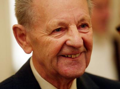 Komunistický pohlavár Milouš Jakeš před 28 lety pronesl svůj památný projev v Červeném Hrádku. Svými moudry nás oblažuje dodnes.