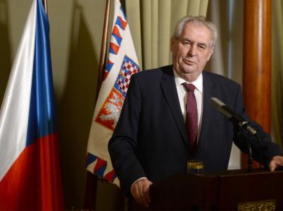 Po Sobotkově demisi nyní záleží na Miloši Zemanovi, jak se k ní jako prezident postaví. Možností má hned několik.