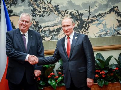 Zeman se netají kladným vztahem k Rusku a Číně, jeho provýchodní politika je ale cestou do pekel.