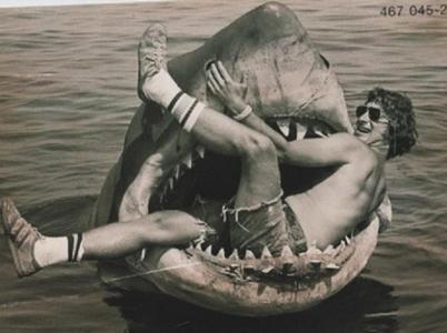 Čelisti: Ten žralok byl na dálkové ovládání?