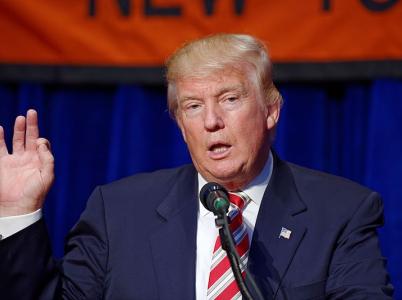 Donald Trump slíbil, že lidem právo nosit zbraně nevezme.