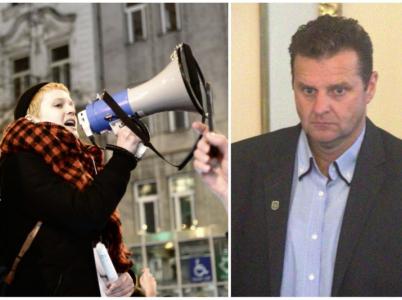 Demonstrace proti Ondráčkovi se vydařila, komunista odstoupí. Akce přesto přinesla několik rozpačitých momentů.