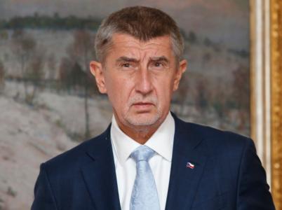 Ale copak, problémy v ráji? Komunisté navrhují zákon proti prznění češtiny.