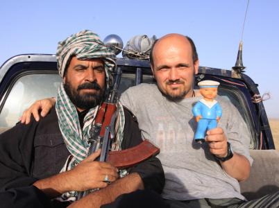 Autor článku s ozbrojeným doprovodem na cestě přes Balúčistán