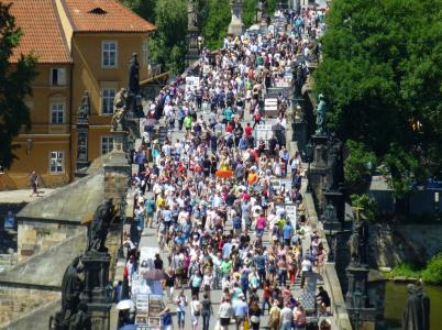 Od ledna do září 2017 navštívilo Českou republiku celkem 26,4 milionů návštěvníků ze zahraničí