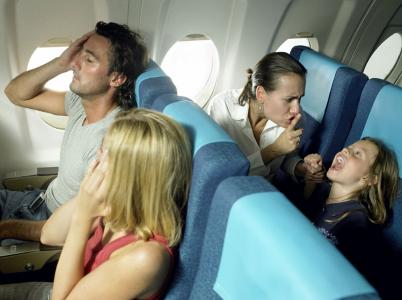 Stačí jedno dítě s blbou náladou, a má ji celé letadlo