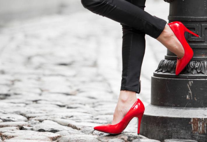Zhruba každé třetí dítě mladšího školního věku v Česku má nesprávné  pohybové návyky a zdeformované nohy s propadlou klenbou. V dospělosti pak  okolo 40 ... a554d87387