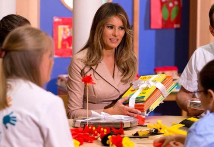 Melania Trumpová chtěla darovat do školní knihovny knížky Dr. Seusse. Politicky korektní knihovnice je ale odmítla s tím, že jsou rasistické.