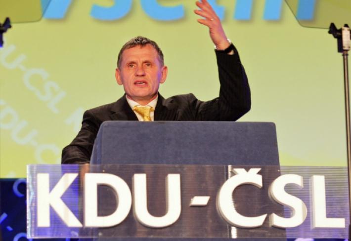 Vsetínský starosta Čunek má ve svém Zlínském kraji silnou podporu. Vystačí mu ke stranickému převratu?