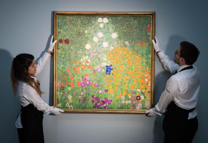Obraz Bauerngarten od Gustava Klimta se stal třetím nejdražším obrazem vydraženým na evropské aukci.