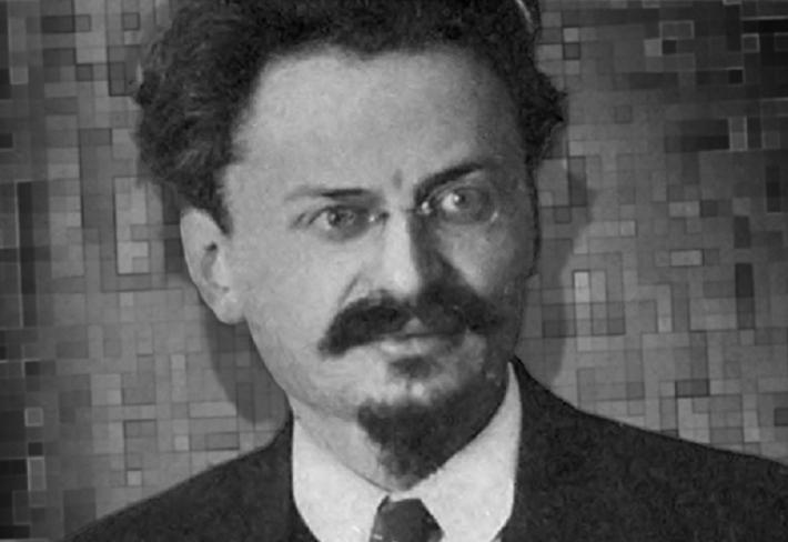 Lev Davidovič Trockij, komunista, který prohrál mocenský souboj se Stalinem a na jeho rozkaz byl zavražděn cepínem.