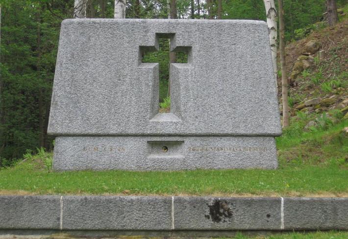 Hrobodům č. p. 26, na tomto místě žila rodina Stanislava Hrdého