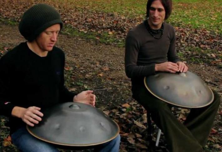 Absolutně harmonický, skoro až nadpozemský zvuk – zvuková socha jménem Hang Drum.