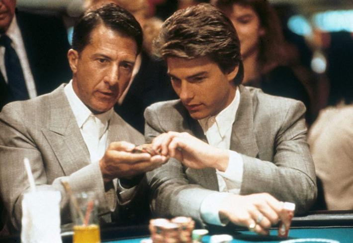 Dustin Hoffman jako nezapomenutelný Rain Man (1988). Na snímku s Tomem Cruisem.