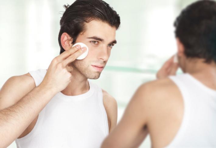 čím déle tráví muž v koupelně, tím víc je buzna. Je to vědecky ověřené