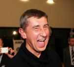 Sestavením nové vlády může Zeman pověřit i Andreje Babiše. Ten by tak do voleb šel jako premiér.