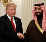 Trump už v Bílém domě přijal saúdského korunního prince. Lze tedy očekávat, že i setkání s jeho otcem v Rijádu proběhne bez problémů.