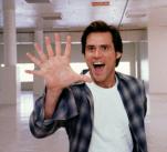 Božský Bruce je jednou z nejkultovnějších Carreyho záležitostí. Hlášky z nápadité komedie si pamatujeme dodnes.