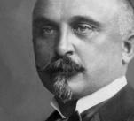 Rašín byl velkým českým nacionalistou. Za to byl během 1. světové války odsouzen k smrti.