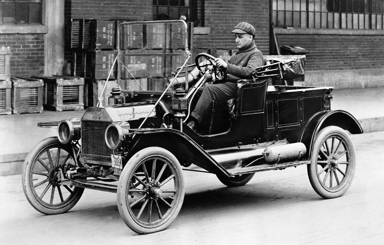 Ford Model T - automobil, který v roce 1908 změnil svět.
