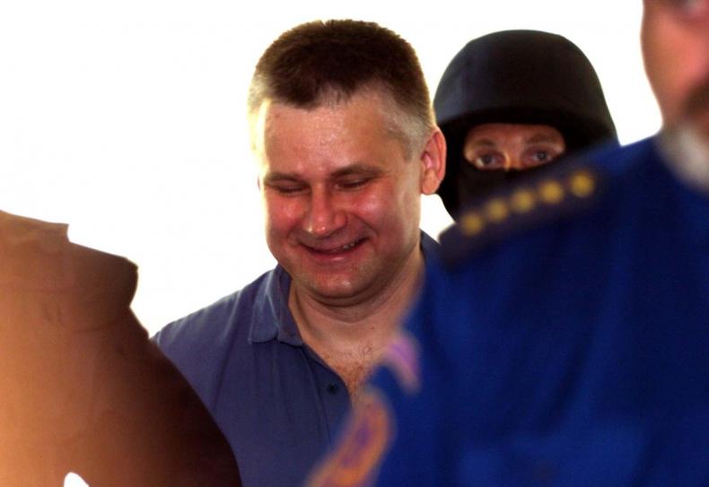 Jiří Kajínek má důvod k úsměvu. Miloš Zeman mu udělí milost a na svobodě na něj čeká sláva i peníze.