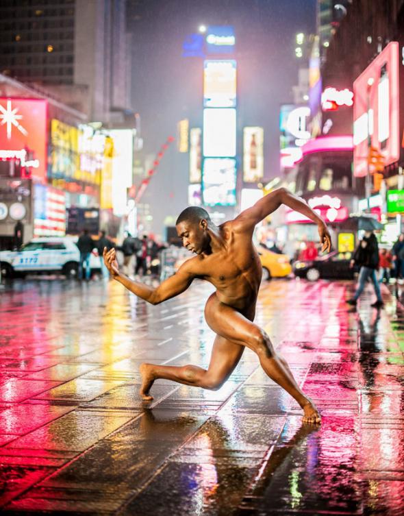 Projekt poukazuje na krásu lidského těla a tance jako umění.