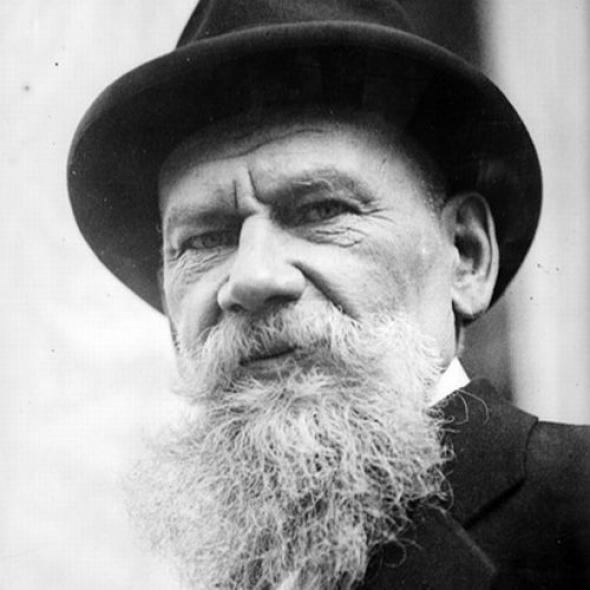 """3) """"Milovat znamená žít životem toho, koho milujeme."""" Lev Nikolajevič Tolstoj"""